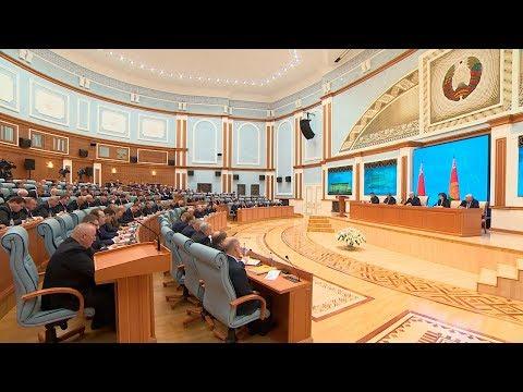 Лукашенко предупреждает руководителей о неизбежной ответственности за коррупцию