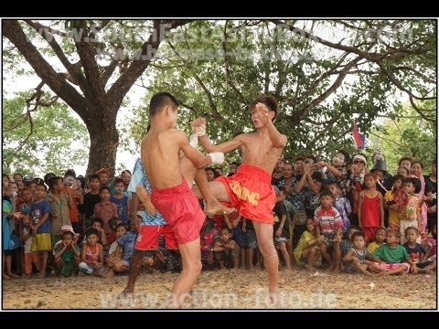 Lethwei Burmese Boxing [HD] - Kid's Fightevent near Hpa An (2) - Kayin State Myanmar - Thingyan 2013 Image 1