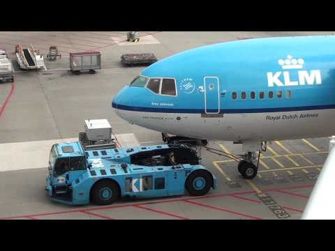 Plane spotting at Schiphol Airport 17 augustus 2013