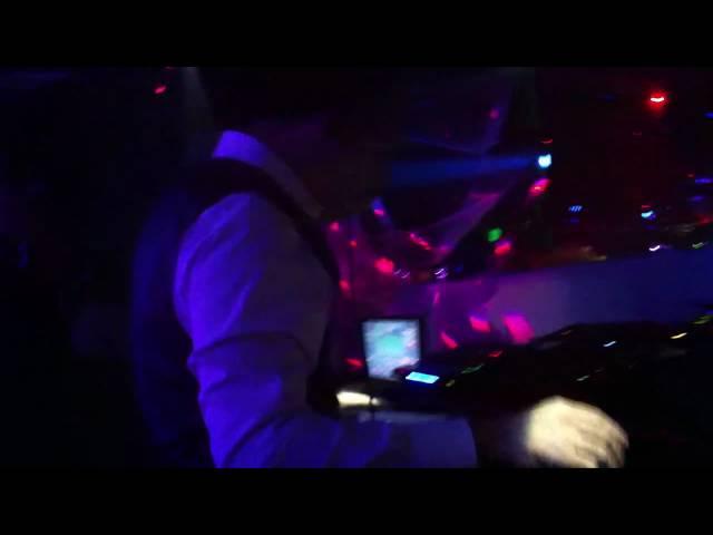 Davide Succi Dj's amazing electro house orchestral intro: Halloween 2010