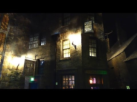 Knockturn Alley Tour. Diagon Alley.  The Wizarding World of Harry Potter Universal Orlando