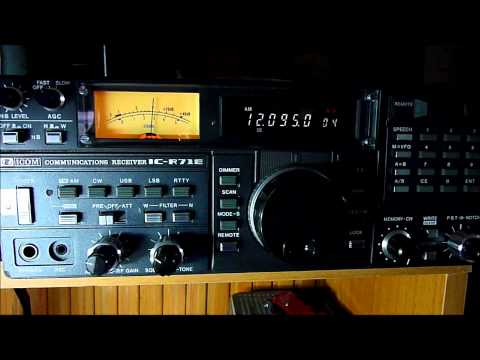 Icom IC-R71E tuned on the BBC World Service (SW)