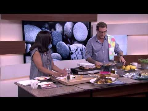 Gourmet Dad Dean McDermott cooks for kids