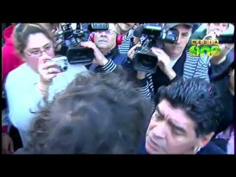 Diego Maradona slaps a journalist