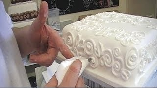 CAKE DECORATING ROYAL ICING PIPING TECHNIQUES / HOW TO PIPE A CAKE BORDER FOR BEGINNERS