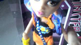 Monster High review Howleen Wolf en français.