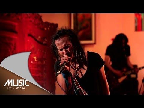 download lagu Ipang Lazuardi - Ada Yang Hilang - Ft. D gratis
