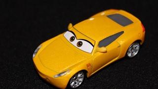 Mattel Disney Cars 3 Cruz Ramirez (Lightning McQueen's Trainer) Die-cast