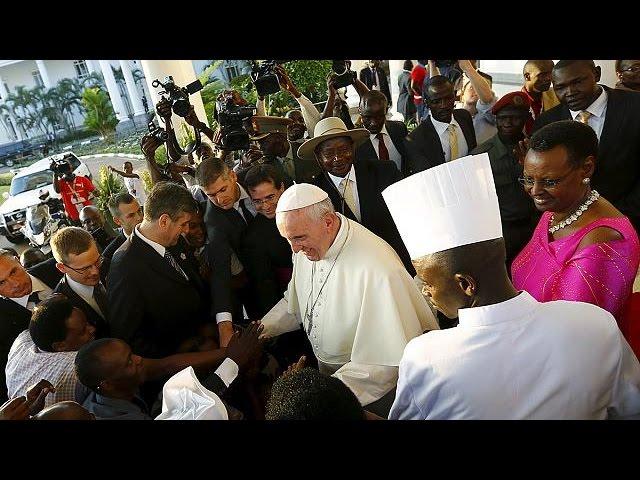 Papa chegou ao Uganda
