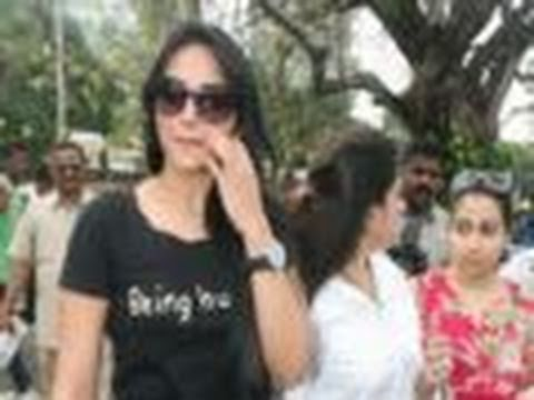Sonakshi Sinha Harassed In Public! video