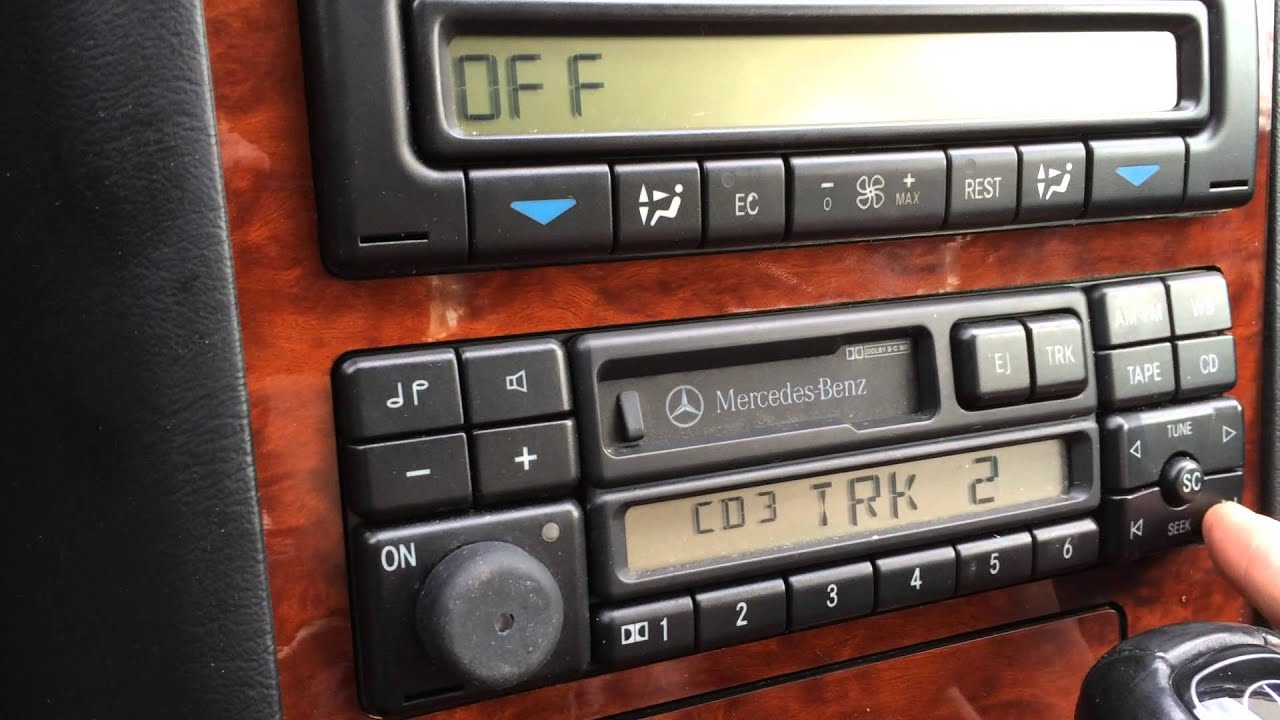 W140 MP3 Playback using Yatour YT-M06 adapter. - YouTube