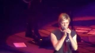Watch David Bowie Fantastic Voyage video