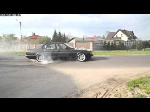 BMW , Palenie Gumy