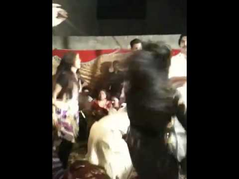 Sargodha mujra on mehndi