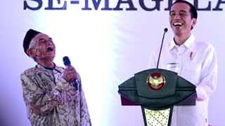 Pendukung Jokowi Pasti Tertawa Ngakak lihat ini. Pak Kabul Lupa Nama Presiden Tapi Dapat Sepeda