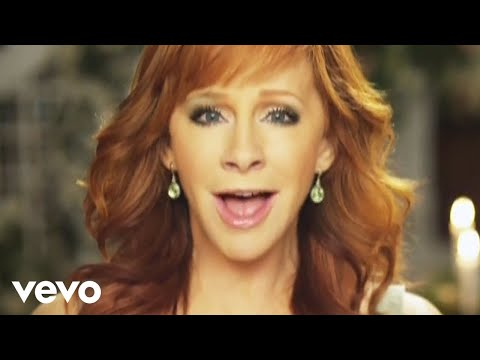 Reba Mcentire - I Keep On Lovin' You video