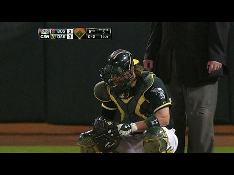 BOS@OAK: Norris shaken up, leaves game later