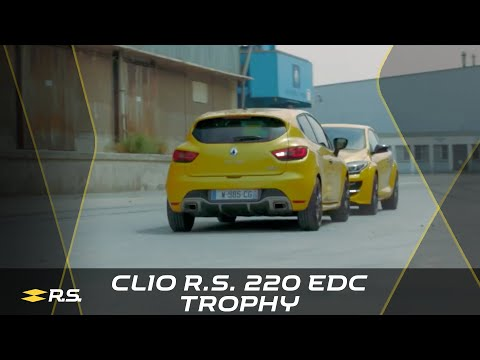 Life is a race with Clio R.S. 220 EDC #TROPHY