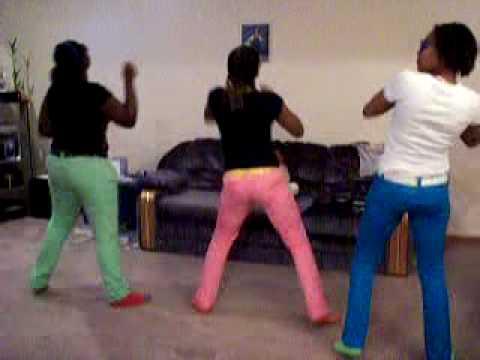 Fat girls doing the stanky leg