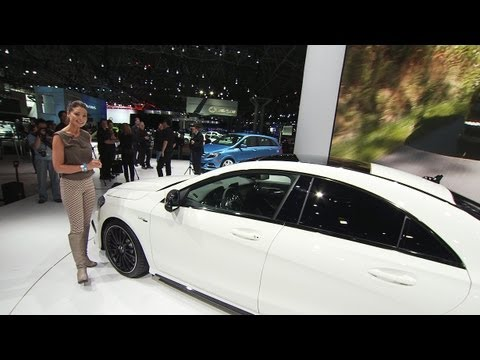 Mercedes-Benz TV: Torie shows two world premieres in New York