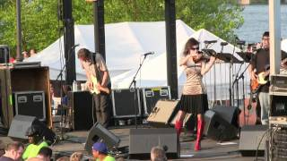 Watch 10000 Maniacs Eden video