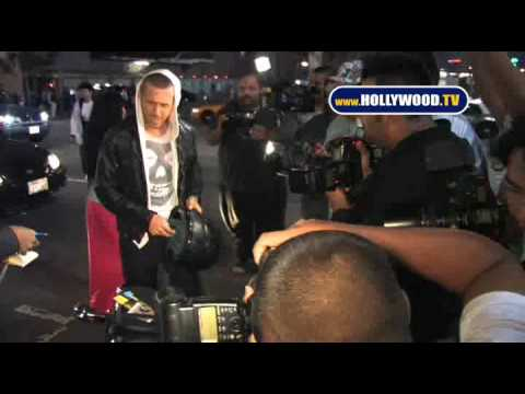 Ryan Gosling Takes Pictures With Fans. Video