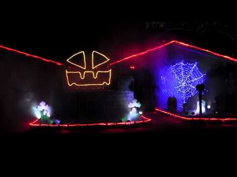 "2011 Halloween Light Show: ""Thriller"""