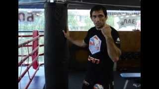 Работа на боксерском мешке для укрепления кистей рук
