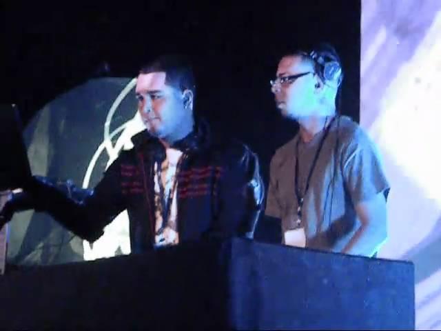 DJ CELL DJ ROC & DJ ROZZ AT THE RAVE
