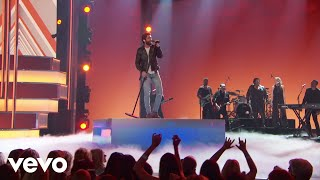 Thomas Rhett - Look What God Gave Her (Live At The 54th ACM Awards)
