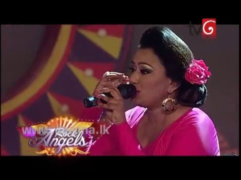 Nirosha Virajini Singing Hindi Songs @ Derana Star City