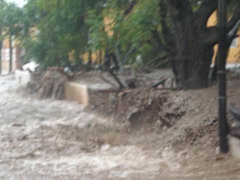 la inundacion en  Tuxpan Michoacan