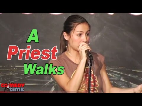 Anjelah Johnson has a funny joke you can tell your friends