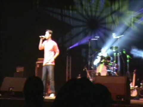 Lambi Judai (Jannat) by NeiL LIVE  Atif Aslam Perth Concert...