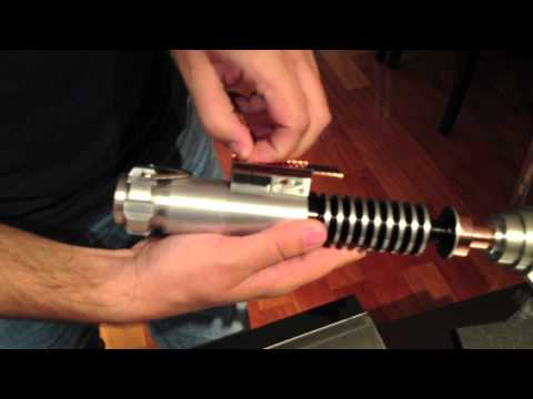 Video Review Limited Edition Luke Skywalker Reveal Lightsaber Efx - ROTJ