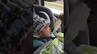 5 Month Baby Louis in New Car Seat / 새로운 카시트로 주행 중인 아가 루이