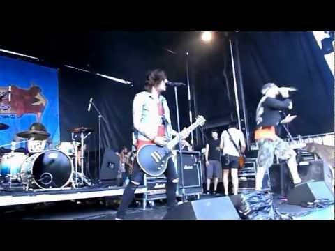 Breathe Carolina - Hello Fascination (Live at Warped Tour 2012 Toronto) HD