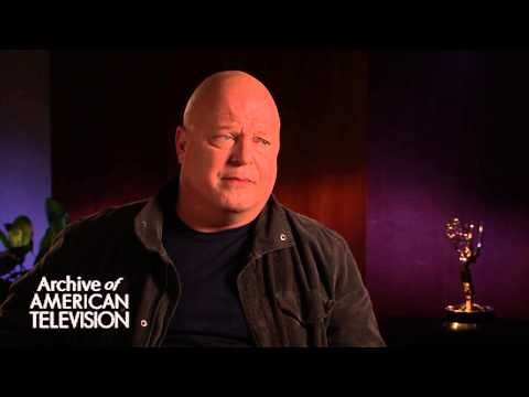 Michael Chiklis discusses having creative input on The Commish - EMMYTVLEGENDS.ORG