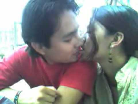 Pakistani Girl Kissing video