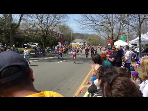 Boston Marathon 2016 Mile 17.5