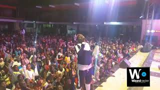 Daxx Kartel in another massive Nakato perfomance