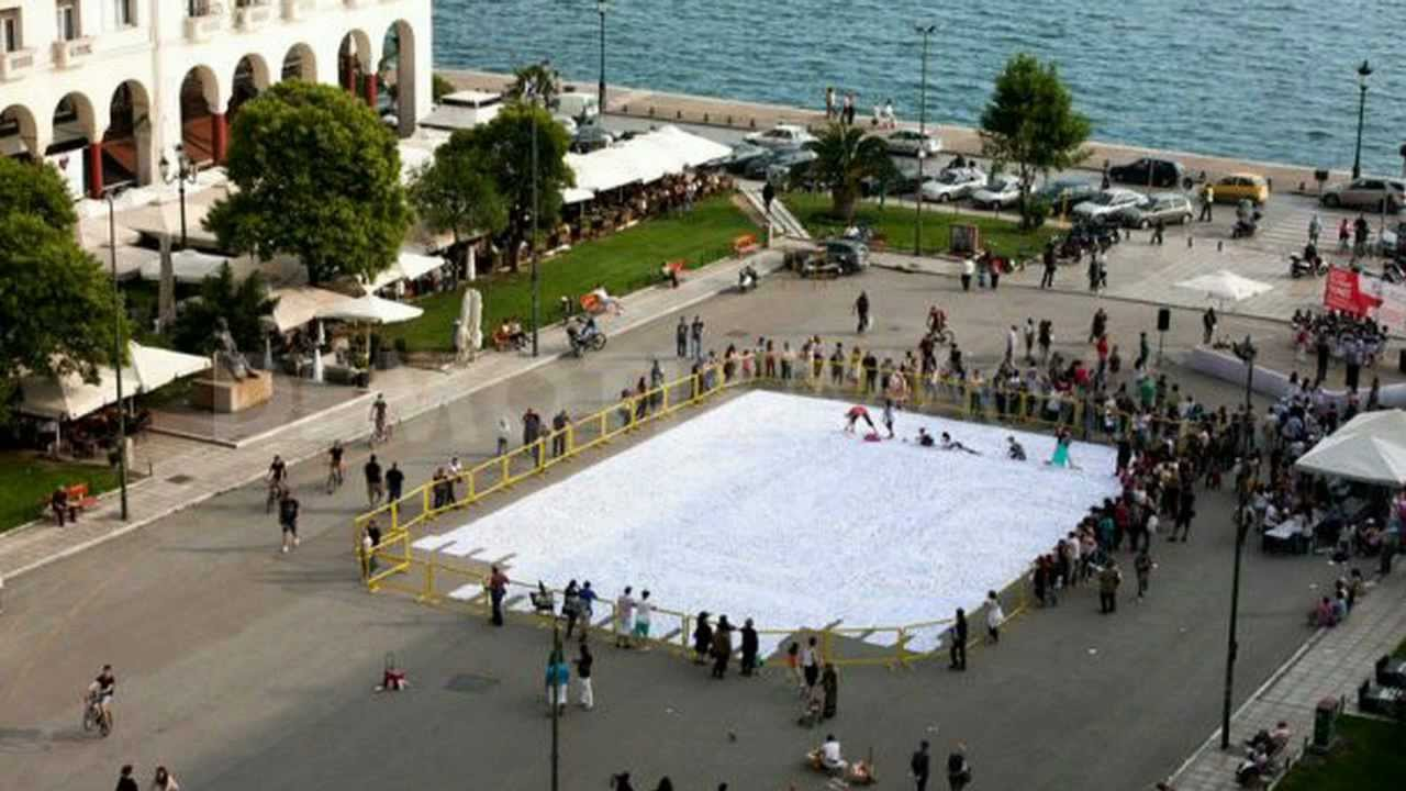 400 square meters travgreece thessaloniki origami guinness 400 square feet to square meters