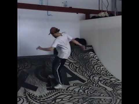 🏄🏼♂️ in da hood @weedsurfing с @ksenofontov_igor @solncecvet 📹: @shumaxod | Shralpin Skateboarding