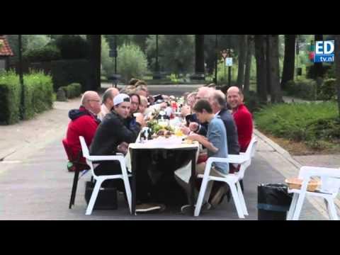 Blij ontbijt in de Dommelstraat in Son en Breugel