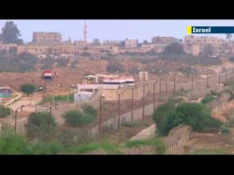Egypt crisis puts squeeze on Gaza: closure of Egyptian border crossing impacting on daily life