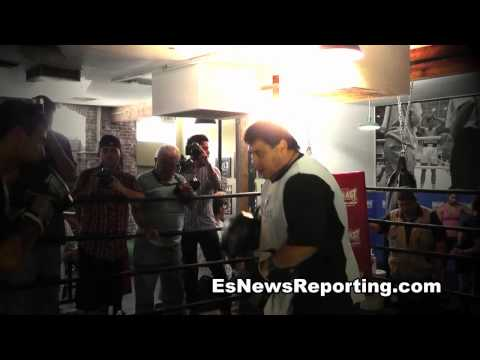 esnews boxing lucas Matthysse mitt workout showing power