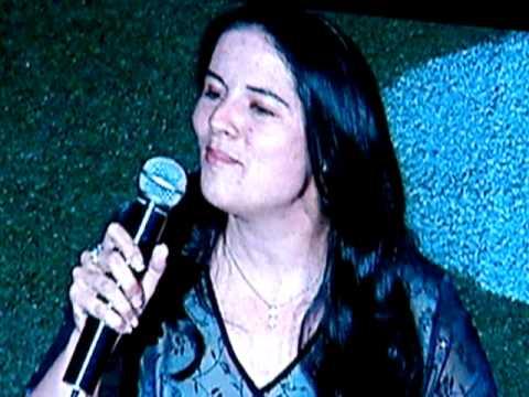 Toronto Cop Melissa Elaschuck Sings at 2009 Police Games