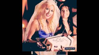 Watch Christina Aguilera Make Me Happy video
