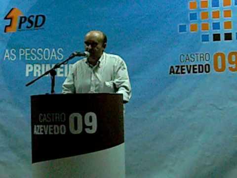 Jos� Oliveira discursa no comicio do PSD em Aguada de Cima