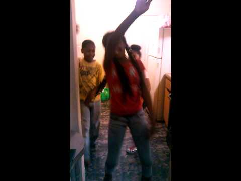 My Step Brother And Sisters Hittin The Nae Nae video
